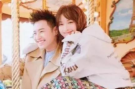 吴昕自爆从未与男艺人谈恋爱,难道她与潘玮柏真的只是朋友?