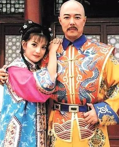 除了聂远张铁林郑少秋,演过乾隆皇帝的男星他绯闻是最少的!
