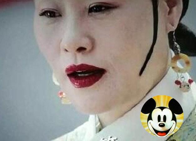 43岁周迅演少女 官网线上平台值得吐槽的不止米奇耳环