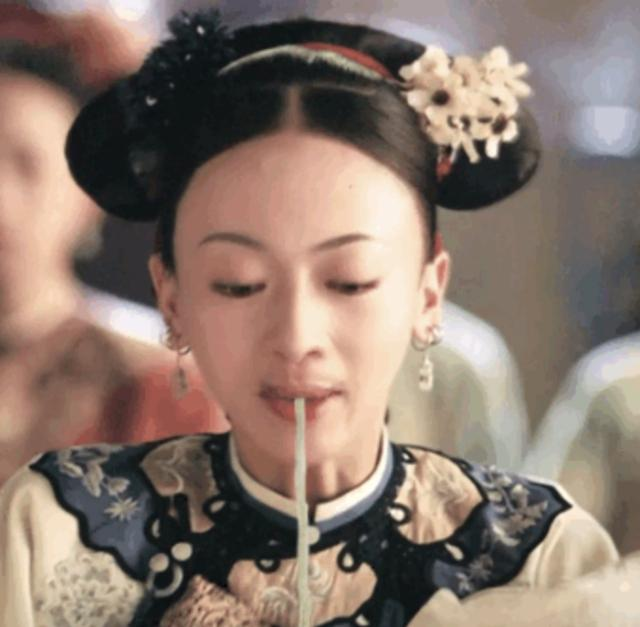 魏璎珞吃面条是什么鬼?还有邓紫棋的羊肉串,真是神来之笔……