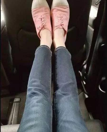 颖儿买25块拖鞋,小S一个包背4年……明星节俭起来比普通人更有门道