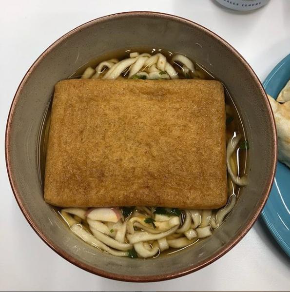 Rain亲自下厨做海鲜大餐,金泰熙有口福了