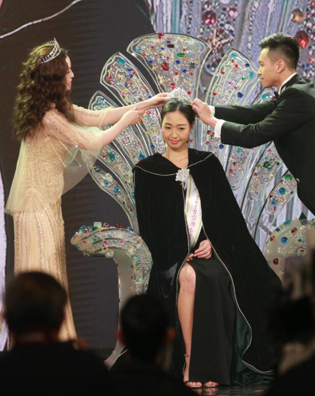 亚洲小姐香港前三甲,颜值吓到网友:连我们厂花都不如