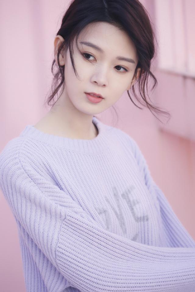 刘雯穿薰衣草紫邻家又温柔,倪妮很随性,赵丽颖甚至穿出了惊艳