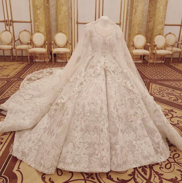 唐嫣罗晋婚礼现场照曝光,5款婚纱礼服都来头不小