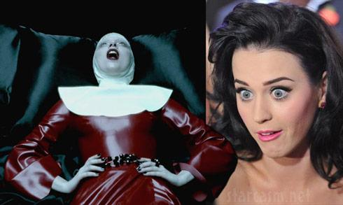 Lady Gaga和水果姐世纪大和解,反正大家都是钱婆的棋子罢了