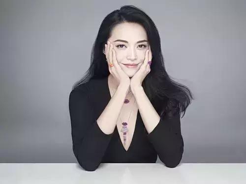 姚晨搂老公甜蜜秀恩爱,离开了凌潇肃后她活得更精彩