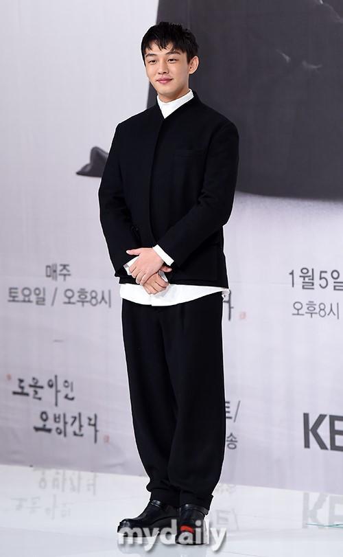 韩国艺人刘亚仁携手著名学者出演KBS新节目