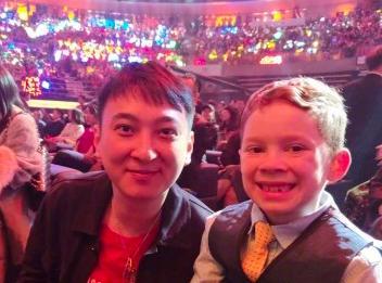 杨紫、邓伦同框引发争议!微博之夜最大赢家居然是他?