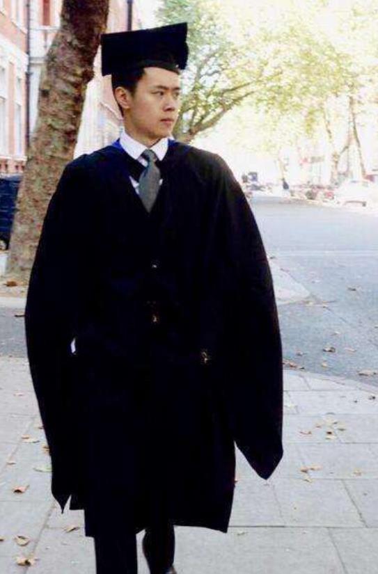 《武林外传》学霸邱小冬成真!24岁哈佛读博士,帅气逼人