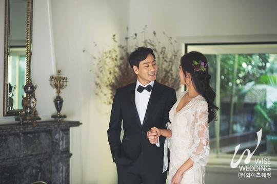 韩国艺人朴海秀将在今天与交往一年女友举行婚礼