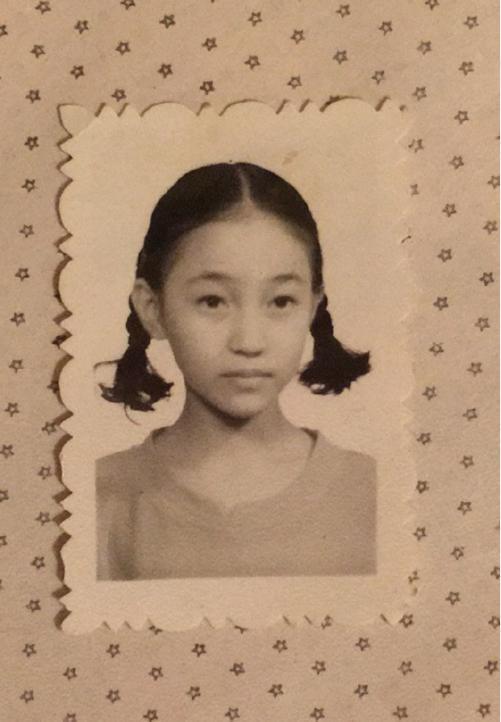 北京电影学院05级几位女星的童年照,除了杨幂袁姗姗,都认出了吗
