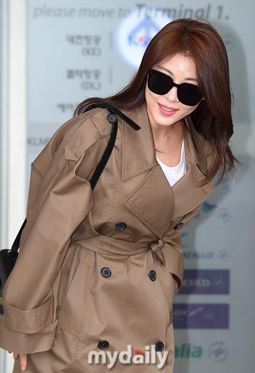 韩国女艺人河智苑飞往马来西亚出席展览会