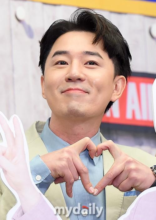 TAX等韩国艺人出席tvN《Show Audiozaki》节目发布会