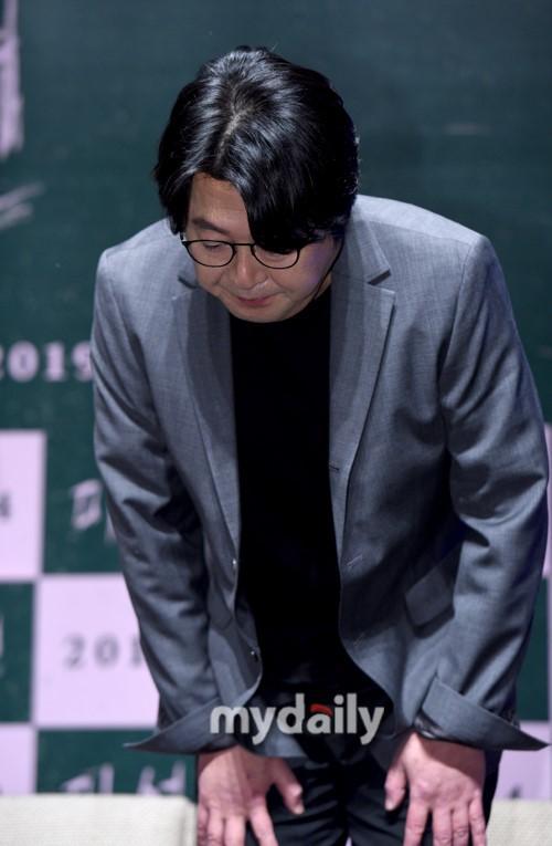 金伦奭廉晶雅等艺人出席新片《未成年》发布会