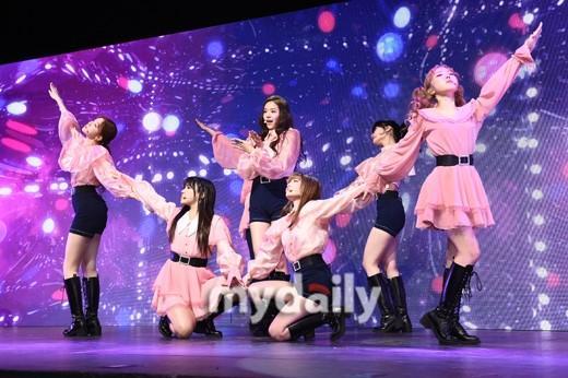 韩国女团公园少女新专辑发售showcase
