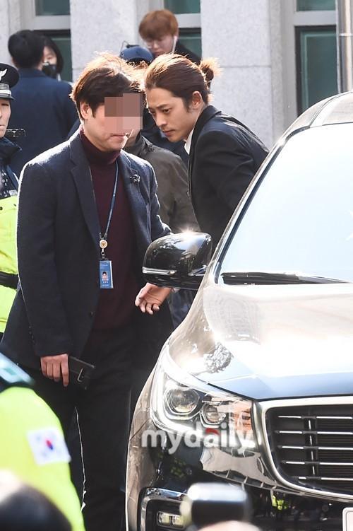 韩国艺人郑俊英涉嫌偷拍散布性爱视频接受警方调查