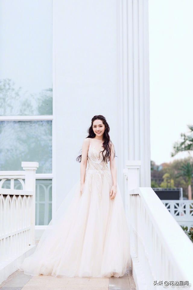 黑老大向华强之子带女神郭碧婷赴私人家宴,这是要结婚节奏啊