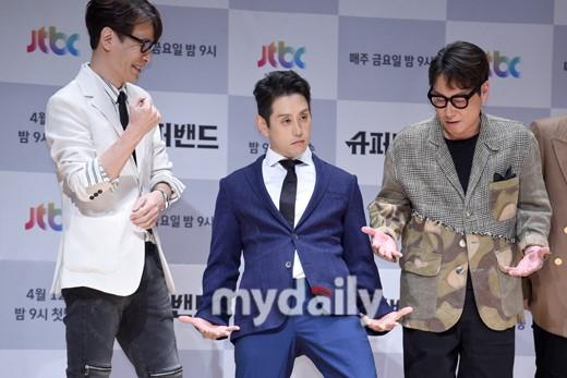 Joe Hahn李秀贤等音乐人出席JTBC《超级乐队》节目发布会