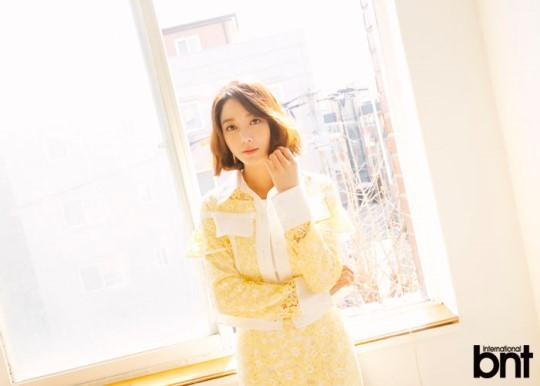 韩国女艺人李素妍最新时装杂志照曝光
