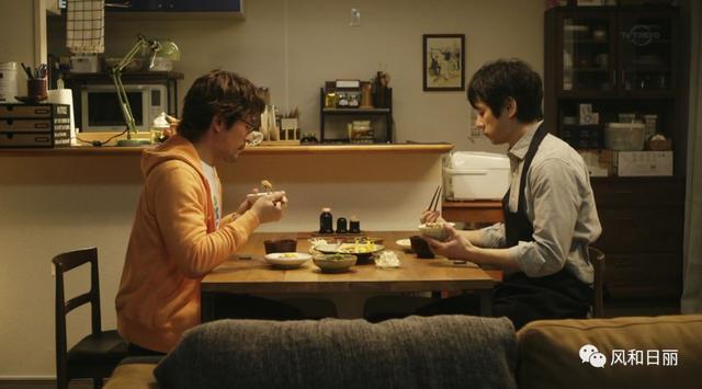 这两个中年男的爱情故事,竟然比偶像剧还甜