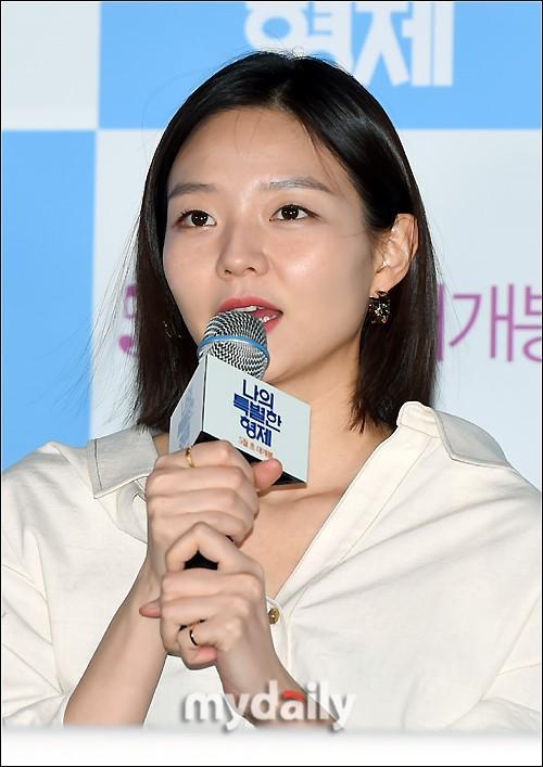 李光洙申河均等韩国艺人出席新片《我特别的兄弟》发布会