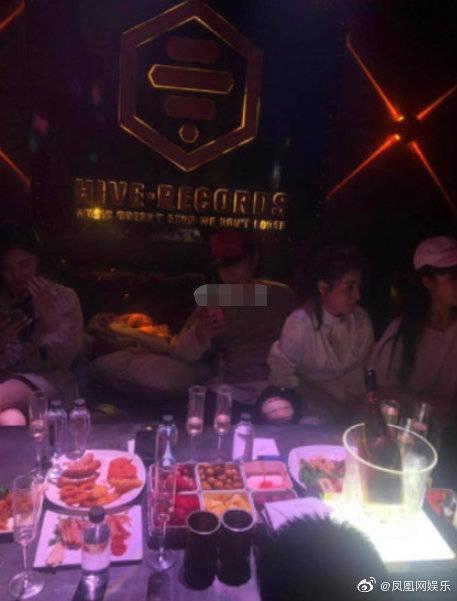 王思聰夜店被偶遇,據說一晚花的錢可付一套房子首付