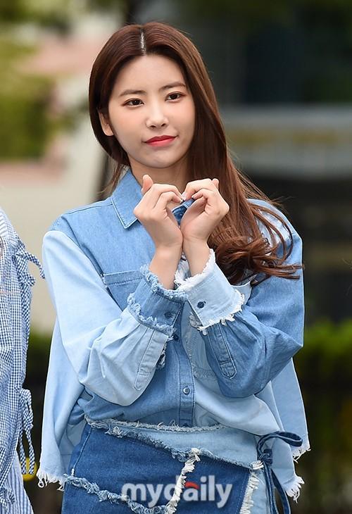IZONE等偶像组合参加KBS《音乐银行》彩排