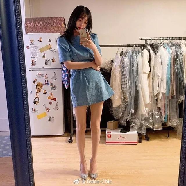 最显瘦的裙子,被关晓彤找到了