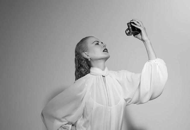 妮可·基德曼拍性感写真 长短发切换演绎风情万种