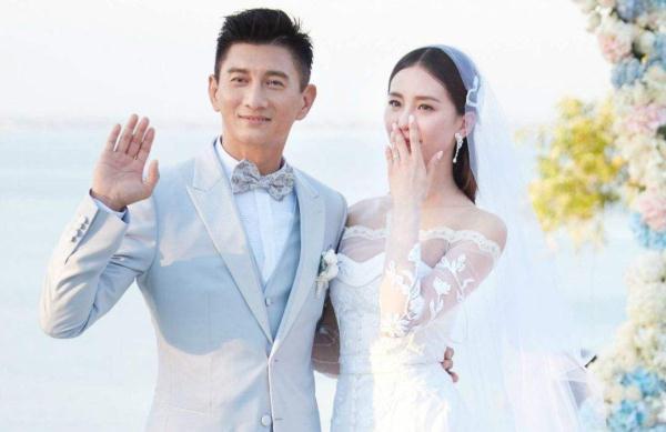 官宣了!刘诗诗顺利产子,48岁吴奇隆终于升级当爸爸
