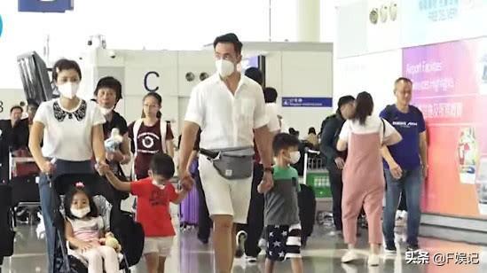 护照过期不能搭飞机去旅行 陈豪一家在机场静等3小时扫兴回家