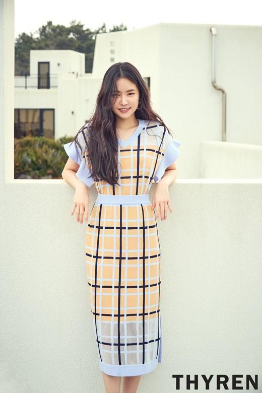 韩国女歌手孙娜恩济州岛拍代言宣传照