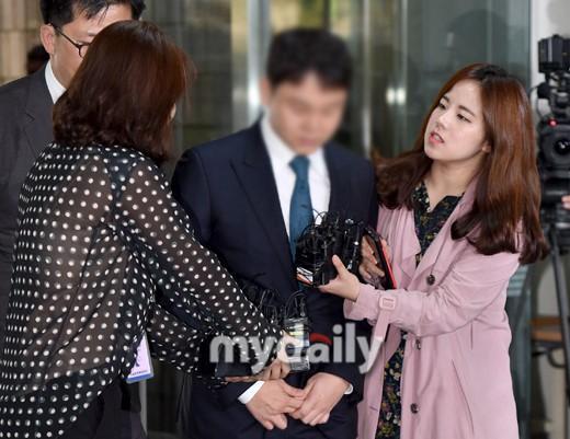 韩国女艺人朴韩星为面临扣押丈夫刘仁锡写请愿书