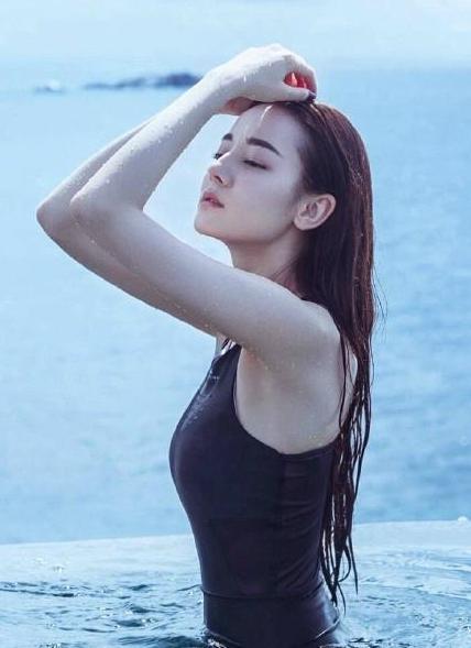 刘亦菲宋祖儿泳装穿出甜美范,钟楚曦有种好莱坞大片即视感