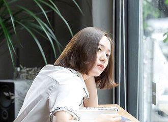 韩式发福太可怕,女神郑秀晶现身机场又暴露大粗腿