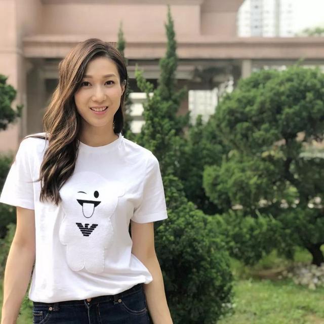 终于返来啦 前TVB当家花旦生二胎后回归乐坛,宣告推出新歌