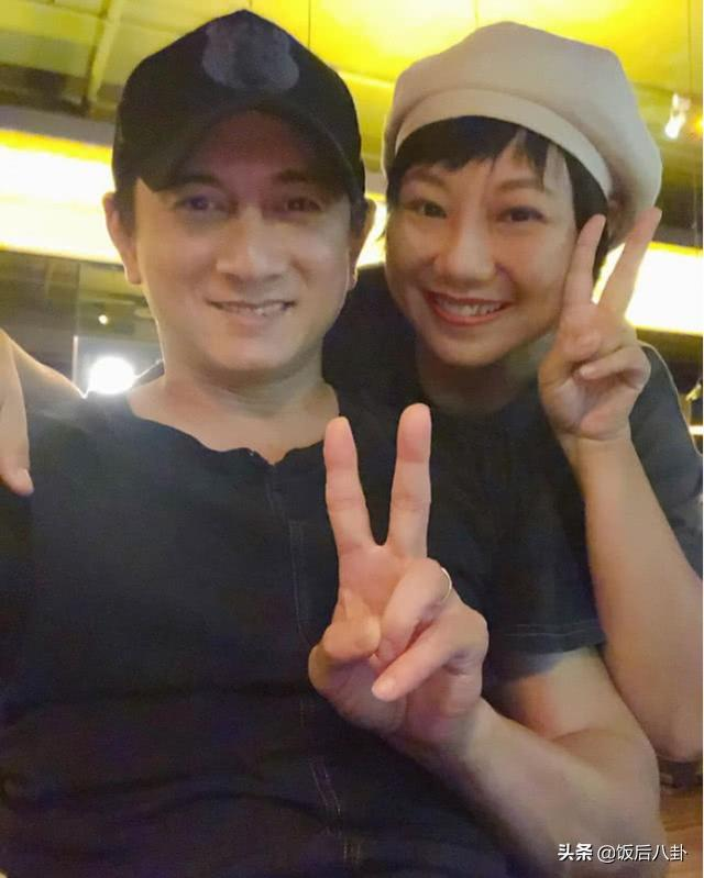 吴奇隆陪刘诗诗坐月子胖出双下巴,宝宝名字曝光暗藏8年前的秘密
