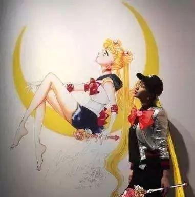 baby关晓彤cos水冰月,鹿晗最爱七龙珠…明星也有一颗中二心
