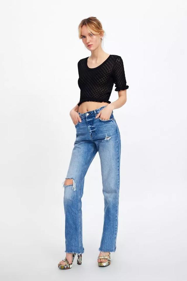 Jennie这件针织衫,露腰不说还露锁骨?