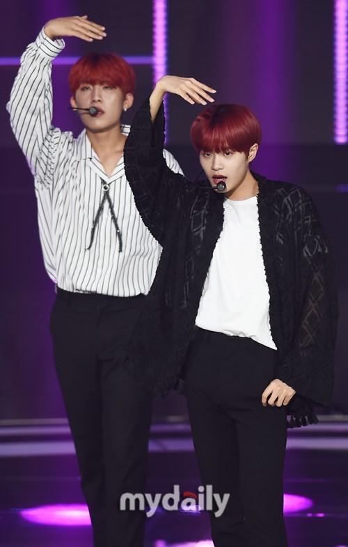 AB6IX等偶像艺人参加SBS MTV《THW SHOW》直播