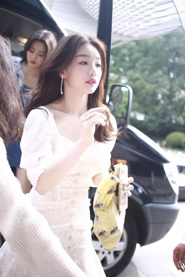 徐梦洁好甜一女的,私照简直是韩风拍照模板