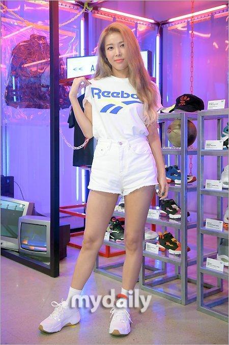 金婑斌ZICO等韩国艺人出席体育品牌宣传活动