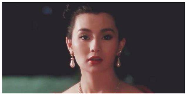 年轻时的张曼玉是真的好看到哭,如今是时光雕琢出来的美人没错了