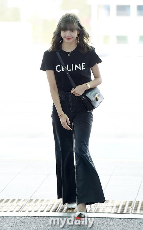韩国女团BLACKPINK成员LISA飞往巴黎参加时装秀