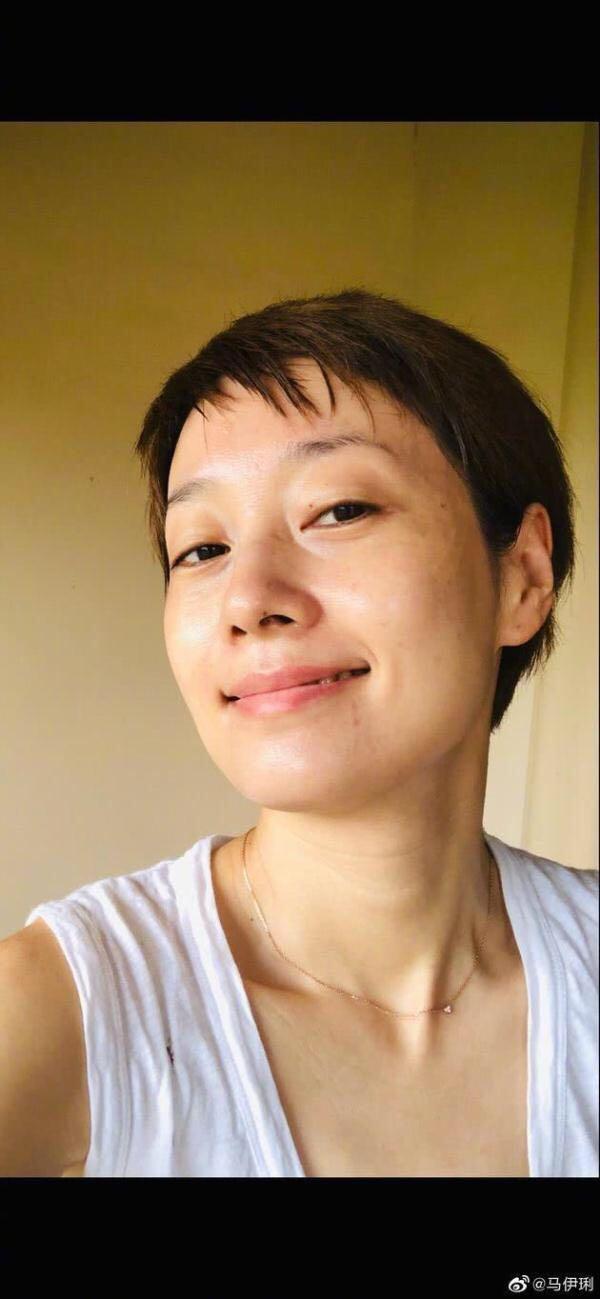 43岁马伊琍晒素颜满脸晒斑超自信,网友:确实太老了