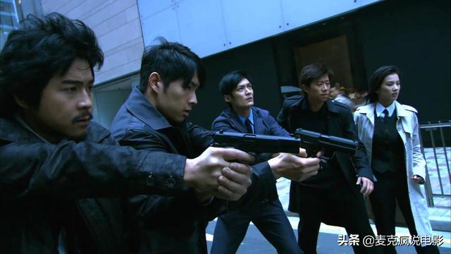 一部十几年前少有的华语警匪大制作,海外销售火爆但国内票房很惨