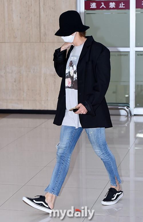 韓國男團WINNER結束日本演唱會飛回韓國