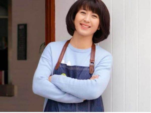 她被称为女版赵本山,大10岁老公身份曝光,小沈阳曾在他手下唱戏