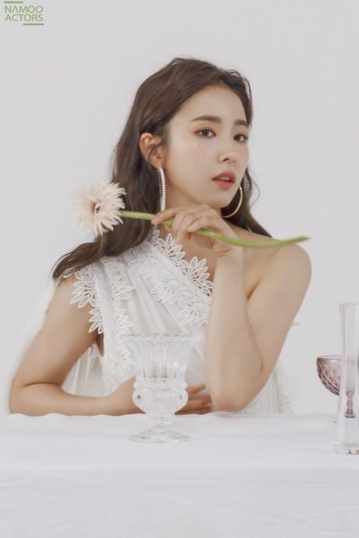 韩国女艺人申世京未公开时装照首次曝光